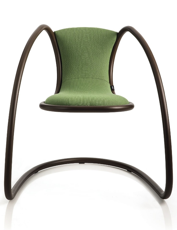 Timeless_iconic_Chair_luxy_04α