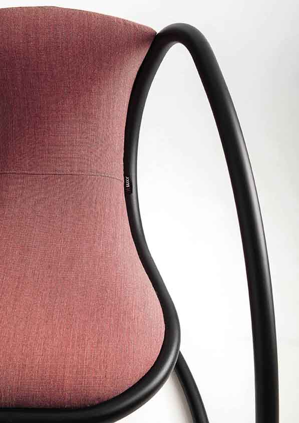 Timeless_iconic_Chair_luxy_08